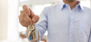 Meneer heeft sleutels vast